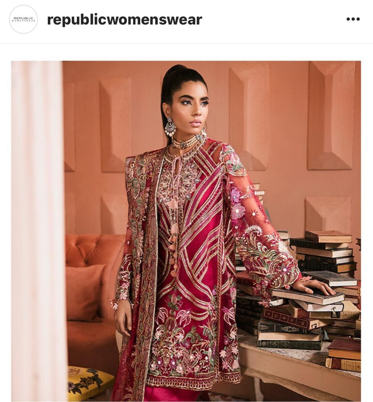 REPUBLIC WOMENSWEAR LUXURY CHIFFON